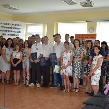 Zakończenie roku szkolnego i pożegnanie Absolwentów 2020/2021